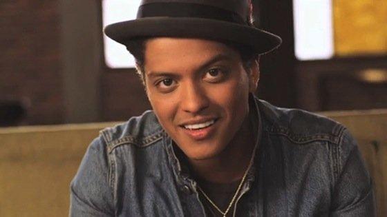 Bruno Mars lanza segundo single de su próximo disco