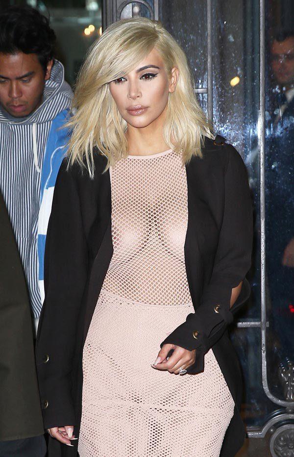 Resultado de imagen para Kim Kardashian rubia y en vestido transparente