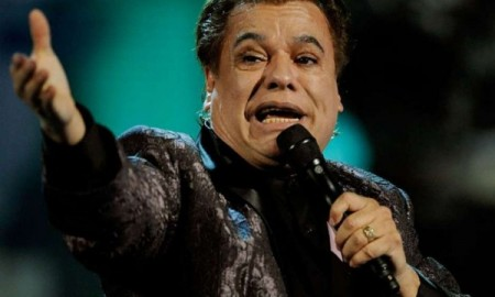 LAS VEGAS - NOVEMBER 05:  Singer Juan Gabriel performs onstage during the 10th annual Latin GRAMMY Awards held at Mandalay Bay Events Center on November 5, 2009 in Las Vegas, Nevada.  (Photo by Ethan Miller/Getty Images) *** Local Caption *** Juan Gabriel