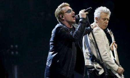 Bono rinde un homenaje a México