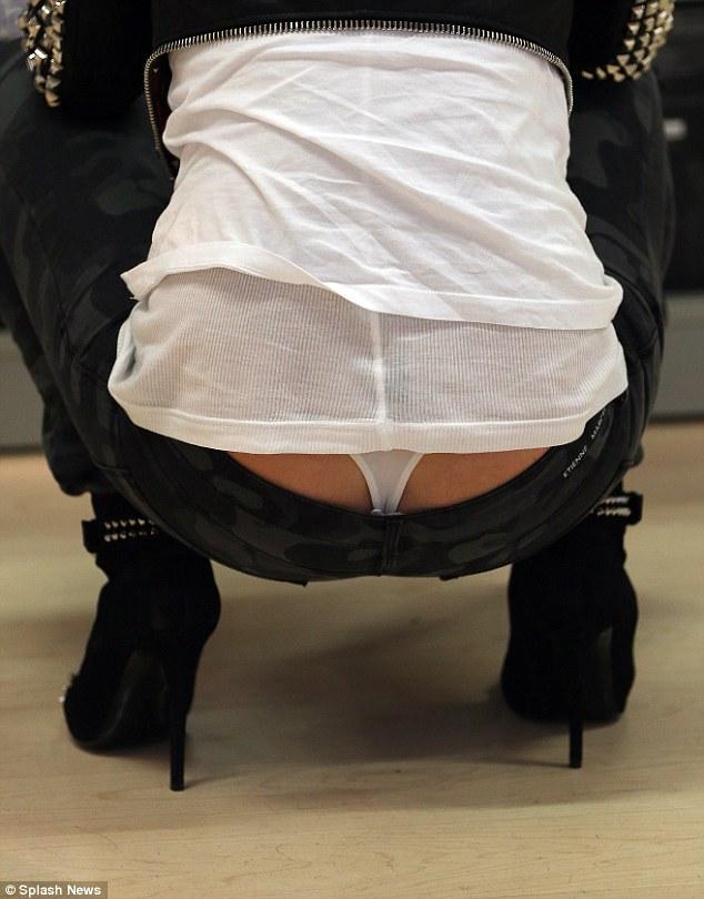 Paris Hilton tanga