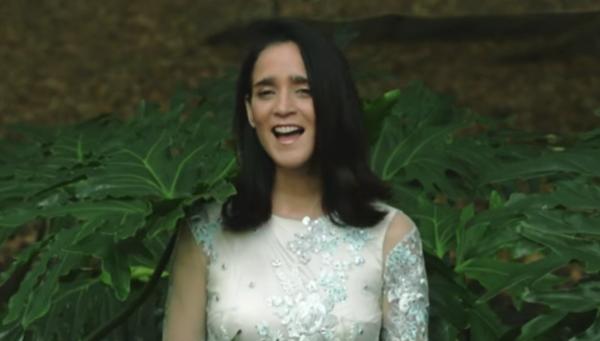 Julieta Venegas presentó su nuevo videoclip,