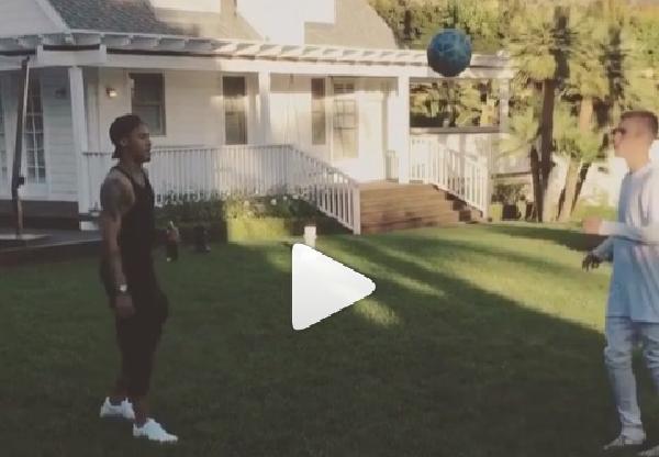 Justin Bieber junto Neymar