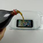 Vean lo qué le pasa a un iPhone 7 al ser congelado con refresco