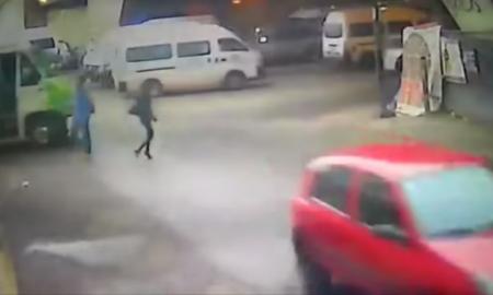 microbús atropella a una mujer