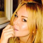 Lindsay Lohan comparte foto completamente desnuda y por primera vez habla sobre su cuerpo