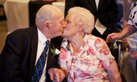Pareja muere el mismo día tras permanecer 77 años juntos