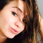 Desde la regadera y completamente desnuda, Ingrid Brans comparte dos sexys imágenes