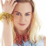 Nicole Kidman posa en un sexy traje de baño y deja al descubierto sus pezones