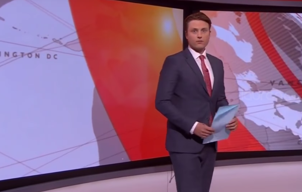 Presentador de BBC se confunde de cámaras durante transmisión en vivo