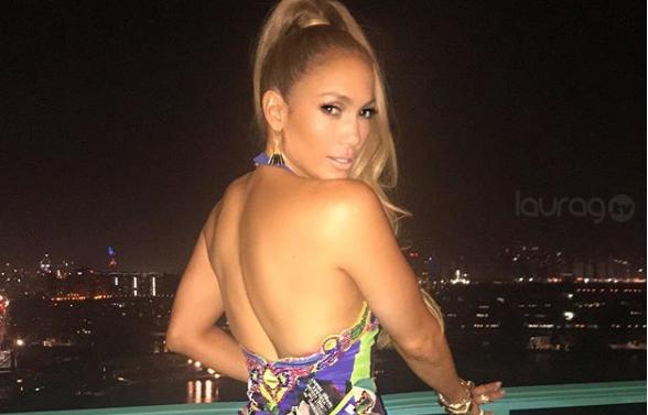 853731dd6936 Jennifer Lopez presume sus curvas con este sexy vestuario – Laura G