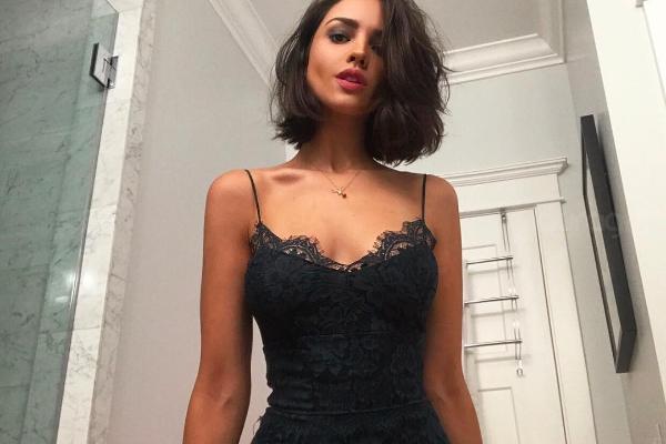 Eiza González comparte sensual foto luciendo transparencia