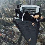 Muere acróbata de rascacielos mientras se grababa haciendo una hazaña desde un piso 62