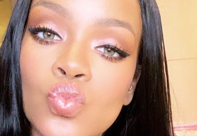 b50e5d27fc Rihanna lanza colección de sexy lencería para San Valentín – Laura G