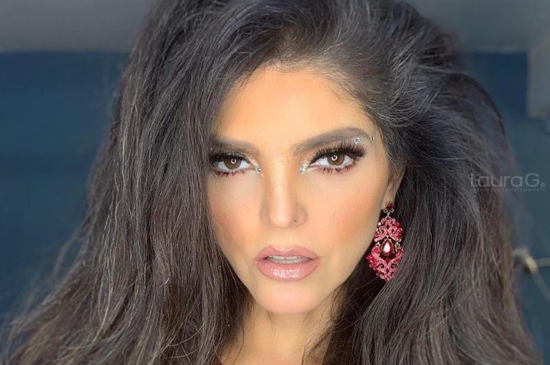 Ana Bárbara Publica Sexy Fotografía Con Vestido Transparente