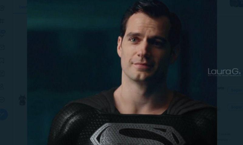 zack-snyder-superman-traje-negro